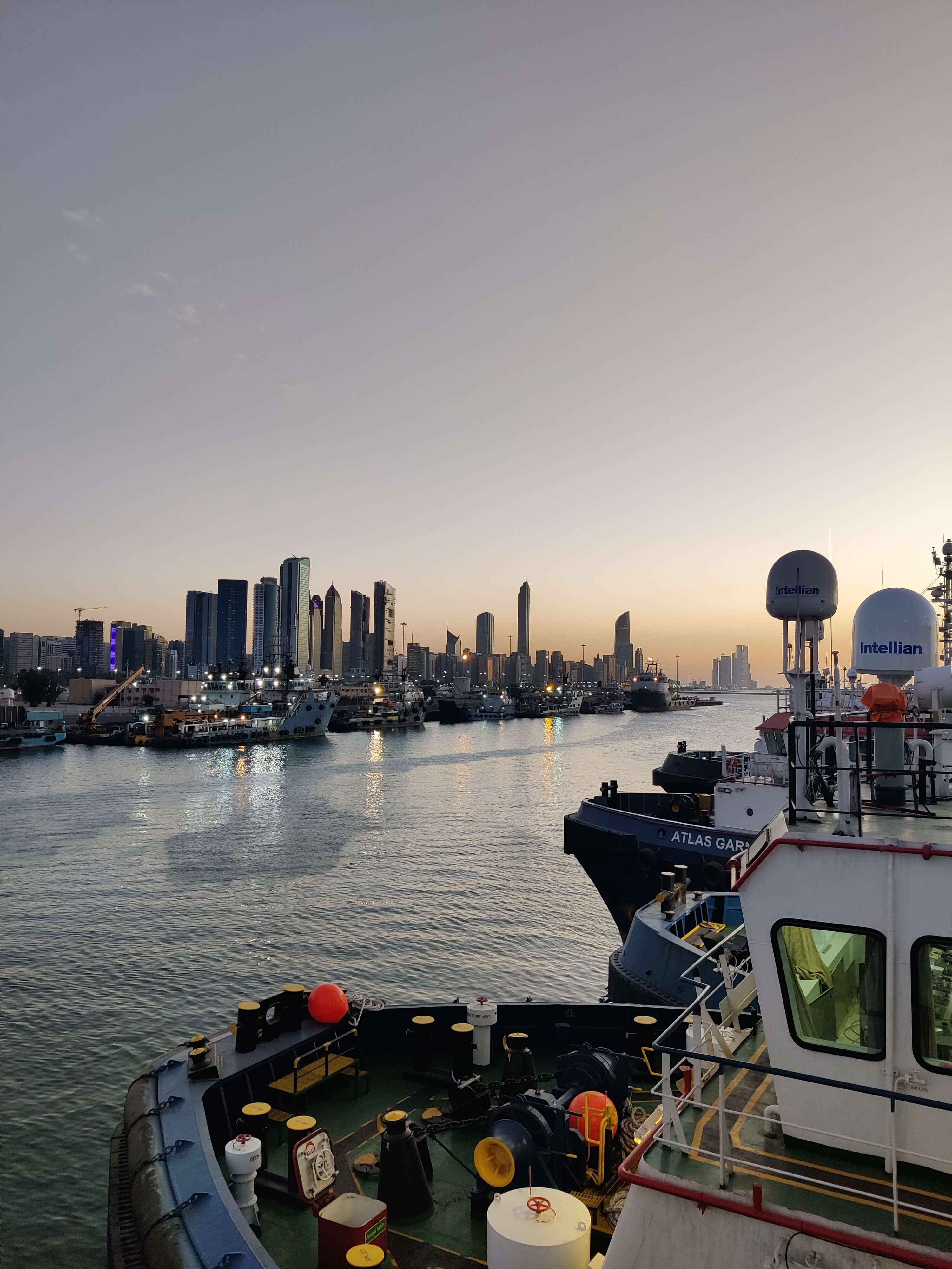 Maritime VSAT pic 3