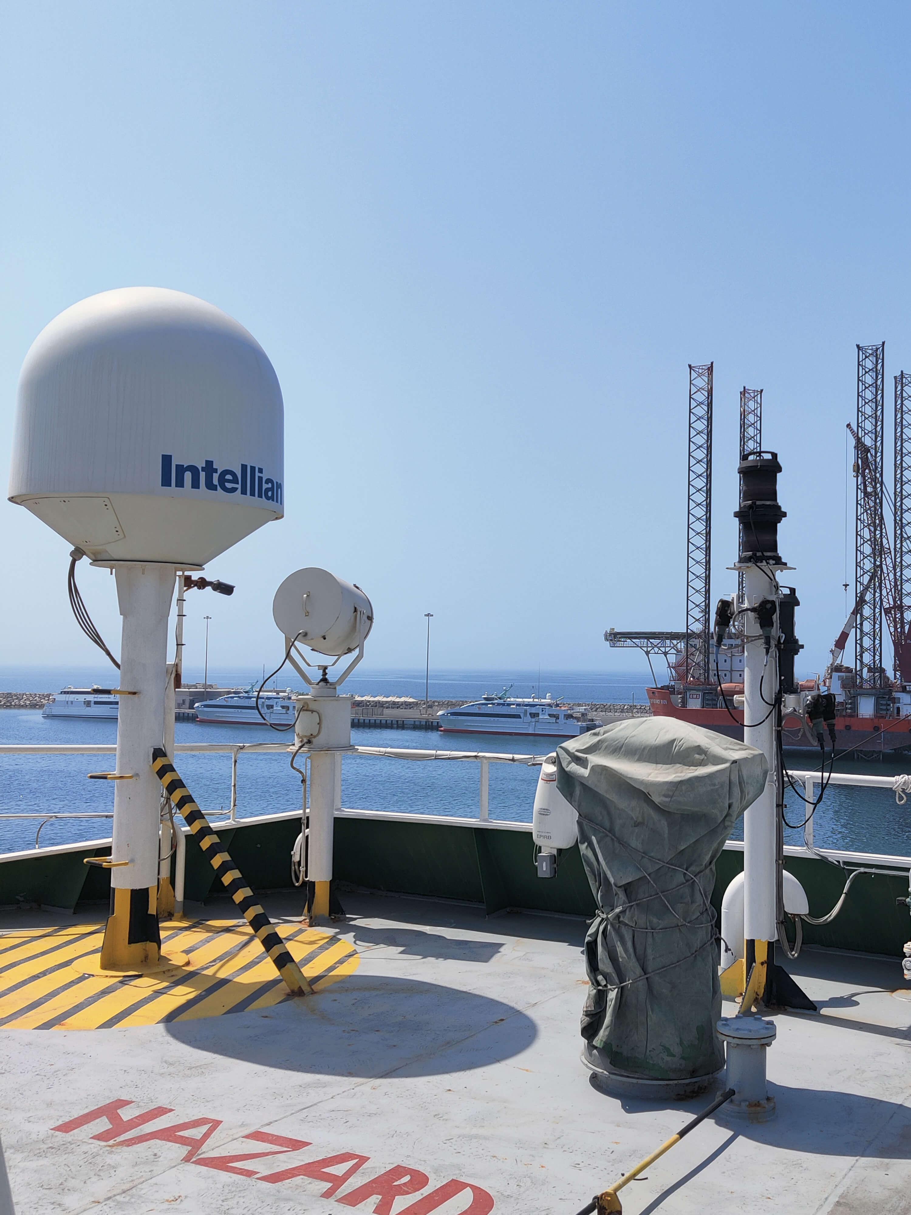 Maritime VSAT pic 4